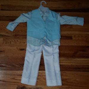 NEW. Toddler boys 3 piece suit